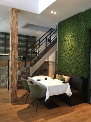 Quarz restaurant met greenwall 315x420