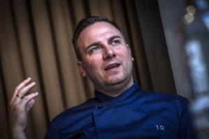 AMSTERDAM - De Duitse top-chef Tim Raue. FOTO: DIEDERIK VAN DER LAAN