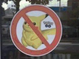 Pokémon Go-verbodssticker voor cafetaria Hoogeveen