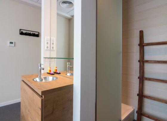 Bathroom 1 560x406