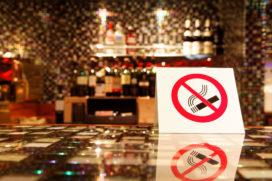 Onderzoek verbod rookruimtes: 'desastreuze omzetdaling'