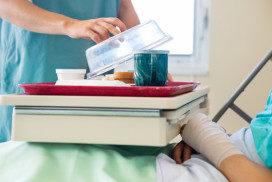 Ziekenhuisdirecteur vindt eigen maaltijden niet te harden