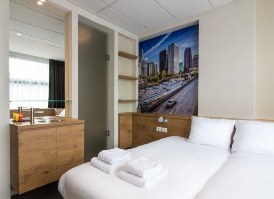 Urban twin room 3 560x406
