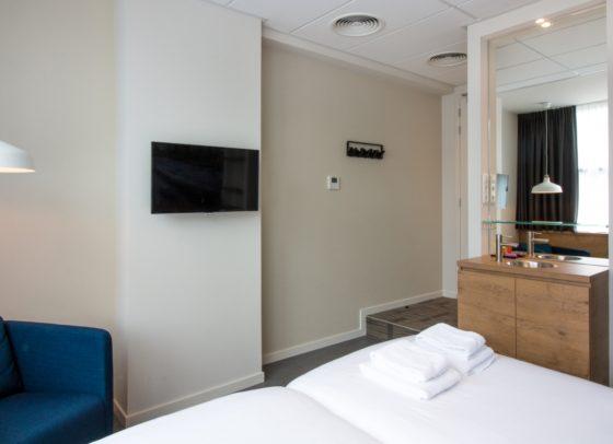 Urban twin room 5 560x406