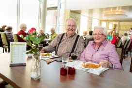 Voeding in de zorg: duurzaam en gezond aan tafel