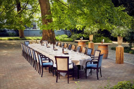Events officierstuin dinner 560x373