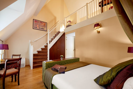 Hotel deluxe split level room 560x374