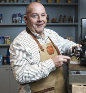 """Peter de Koning: """"Je hoeft niet vijftien verschillende koffies op de kaart te hebben"""" (Foto: Roel Detemeijer)"""