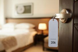 Acht feiten over slapen in eigen land