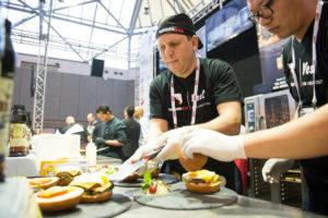 12 deelnemers strijden voor Lekkerste Hamburger Fastest