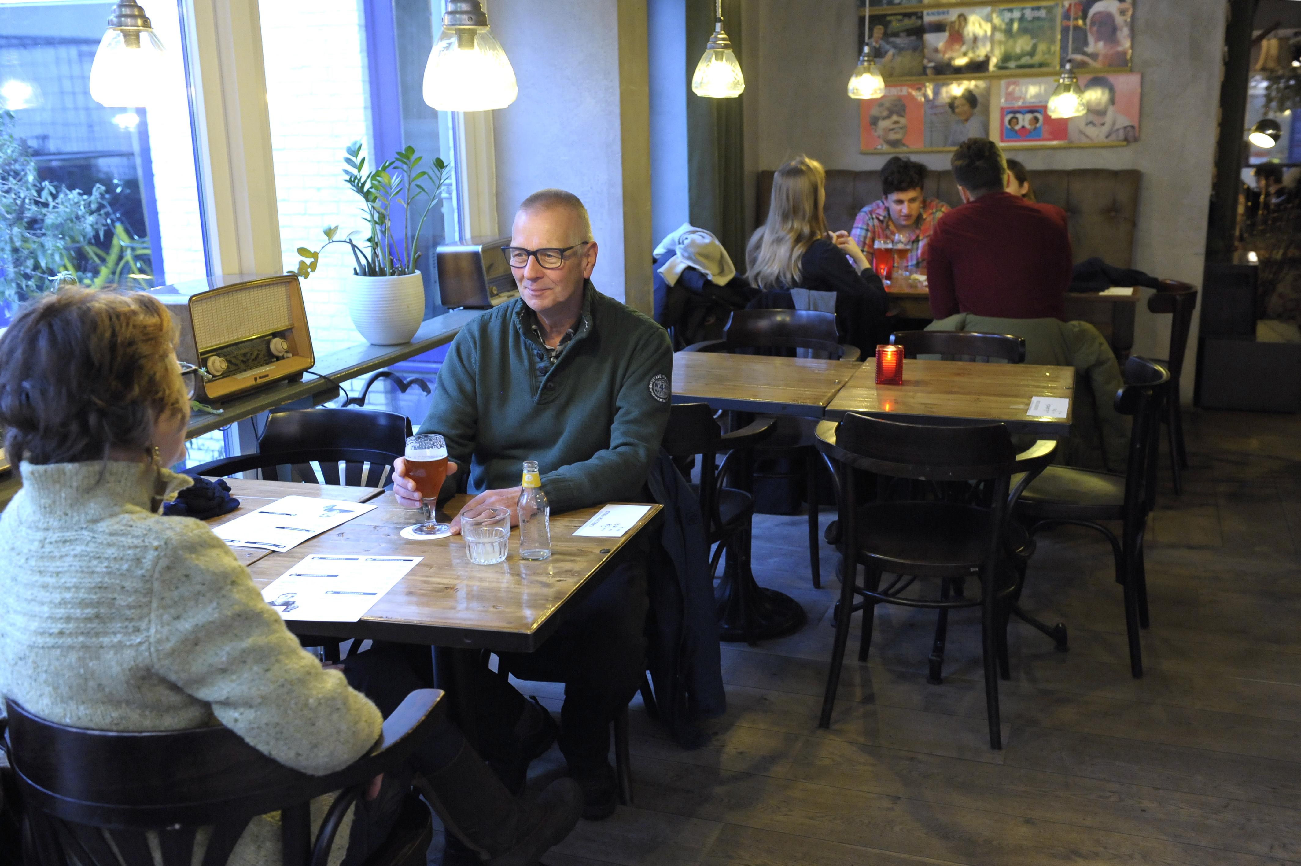 Prael gezondheidszorg betalen met bier misset horeca for Bakkerij amsterdam west