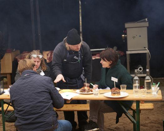 Driessen food festival jury overleg 523x420