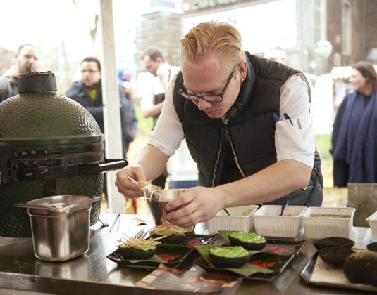 Driessen food festival winnaar kelvin in actie 535x420
