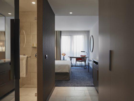 Hyatt regency amsterdam standard room 1 560x420