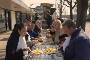 Remia introduceert Bikkelsaus én nieuwe manier van frites eten