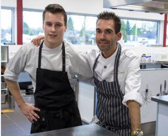 Leerling-kok en chef-kok zij aan zij in restaurant L'Entree van Hotelschool Venlo - Misset Horeca
