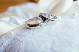Ondernemerpaar trouwt in cafetaria Verhage in Spijkenisse
