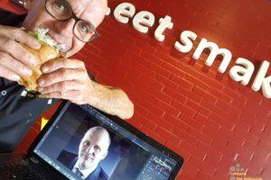 Eigen hamburger voor burgemeester Winterswijk bij Het Pelkhuisje