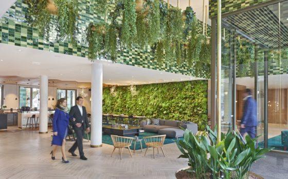 Hyatt regency amsterdam lobby overview 2 guest 560x348