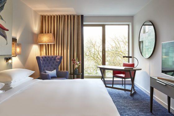 Hyatt regency amsterdam standard room view open 560x373