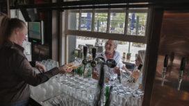 Tilburg: Bruin Kafee met buitenbar binnen (met foto's)