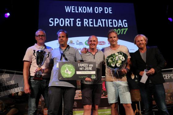 V.l.n.r. Ralph Markwat (directeur FHC Formulebeheer), Mitchel Meeuwig (ondernemer Family Uithoorn), Roy den Hartog (Remia), Marvin Meeuwig (ondernemer Family Uithoorn) en Harry Glotzbach (comedian)
