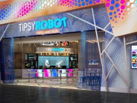 Robotcafé 'Tipsy Robot' opent deuren