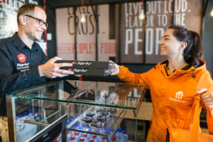 Pizza Hut denkt aan 100 filialen in Nederland