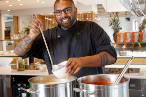 Sarath in 't Groen van The Colour Kitchen: 'Zet je trots opzij'