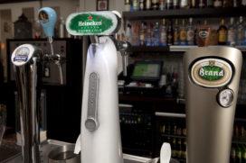 Britse toezichthouder akkoord met pubdeal Heineken