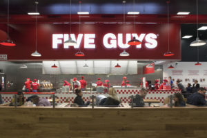 Five Guys wil twintig restaurants in Nederland