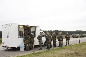 Defensiecateraar Paresto catert in soldatenritme