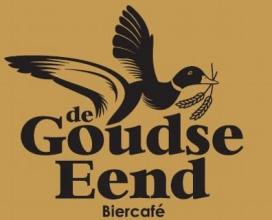 Celstraf voor vernielen reuzenbadeend van biercafe De Goudse Eend