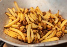 Ambachtelijke friet blijft populair: 'Mensen willen geen fabrieksmatige staafjes meer'