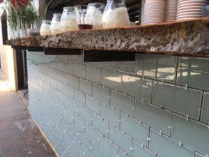 cafe-restaurant hotel buiten