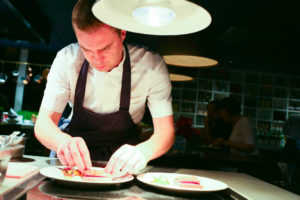 Sander Bierenbroodspot nieuwe head chef Andaz-restaurant Bluespoon