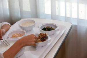 Eten in zorginstellingen nog steeds problematisch