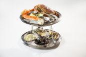 De hardloper: Fruits de mer gepresenteerd op etagère