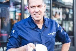 Jacob Jan Boerma maakt signature bowl voor Abel's Deli