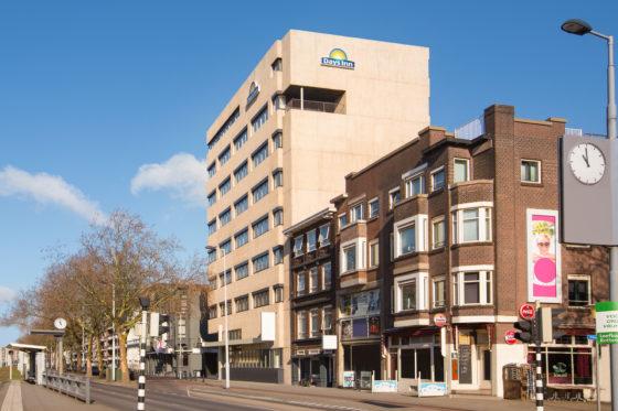 Days inn rotterdam city centre exterior 1264729 560x373